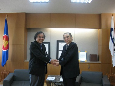 Visit of Professor of Graduate School of Public Policy, the University of Tokyo, Mr. Ryozo Hayashi
