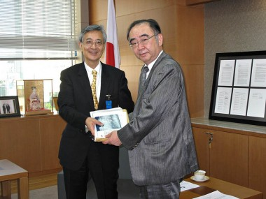 Visit of Mr. Takashi Inoguchi, President, University of Niigata Prefecture