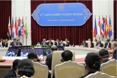 ERIA Submits a Series of Recommendations at the 21st ASEAN Summit