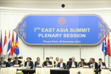 EAS Leaders call for more cooperation with ERIA to implement ASEAN Connectivity