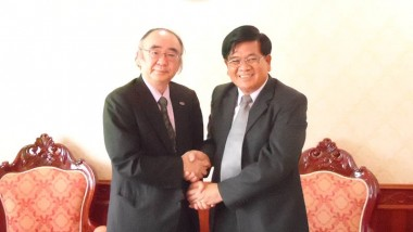 Executive Director of ERIA meets with Minister of Energy and Mines, Lao PDR