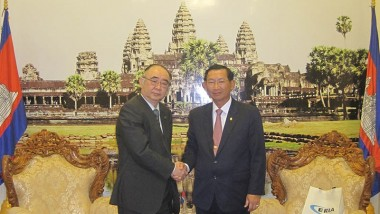 ERIA Executive Director Meets with Cambodian Senior Minister and Minister of Industry and Handicrafts
