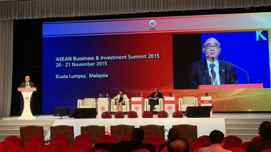 ERIA Contributes to the 27th ASEAN Summit and 10th East Asia Summit