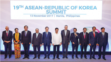 Article - Sultan attends Asean-Korea, Asean-Japan Summits