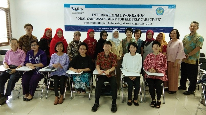 ERIA and Universitas Respati Indonesia Hold Workshop on Oral Care Assessment for Elderly Caregivers