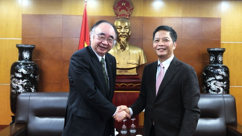 ERIA Pays Courtesy Visit to the Minister of Industry and Trade in Viet Nam